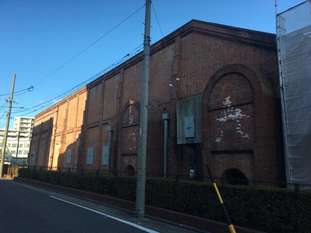 本物の機械が展示、実演されているトヨタ産業技術記念館