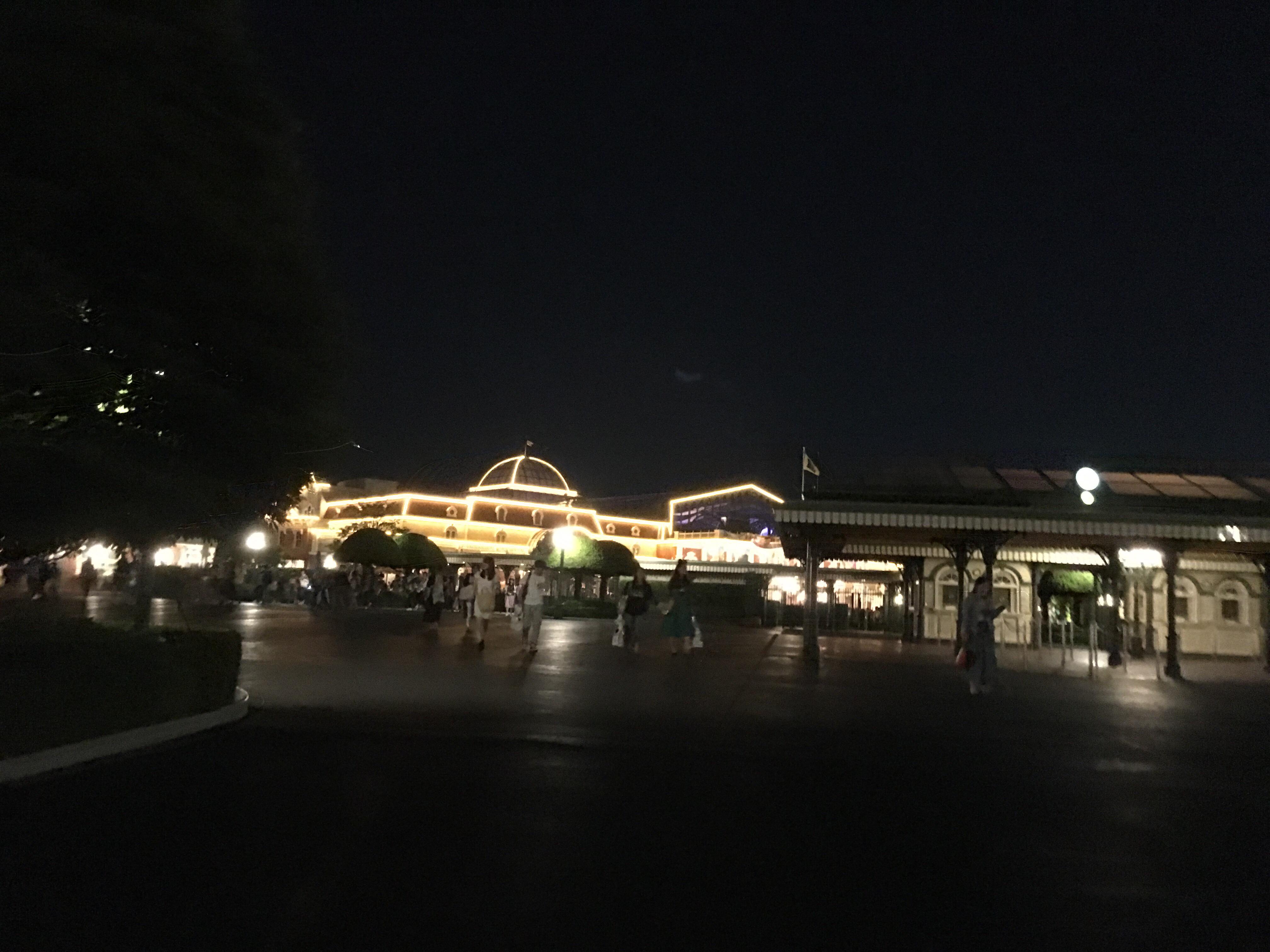 ディズニーランド夜の風景